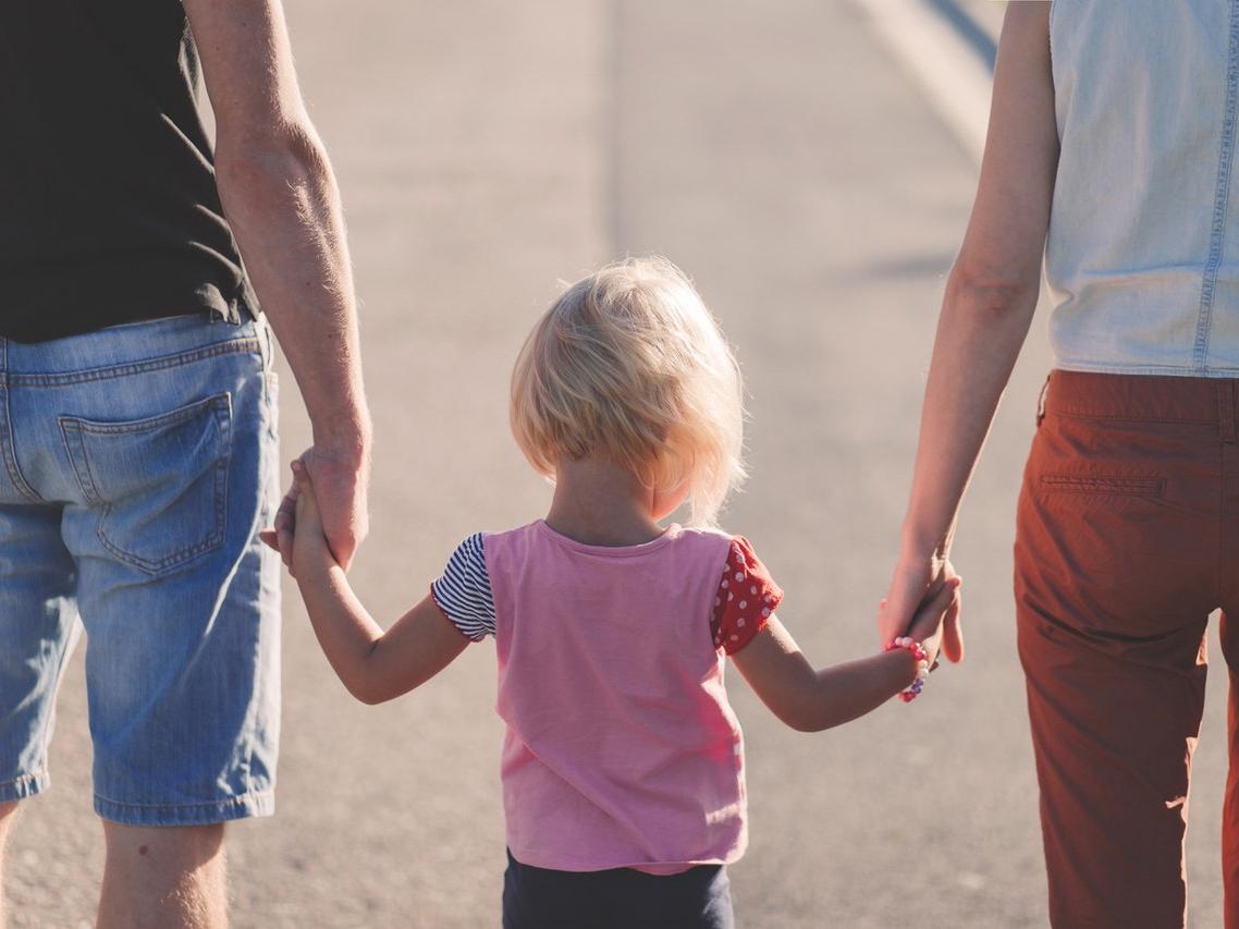 IVisuomenė pasirinko, kuri vaiko priežiūros atostogų alternatyva tiktų labiau