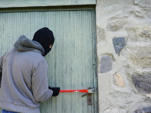 IKuliuose iš statybvietės pavogti įvairūs įrankiai